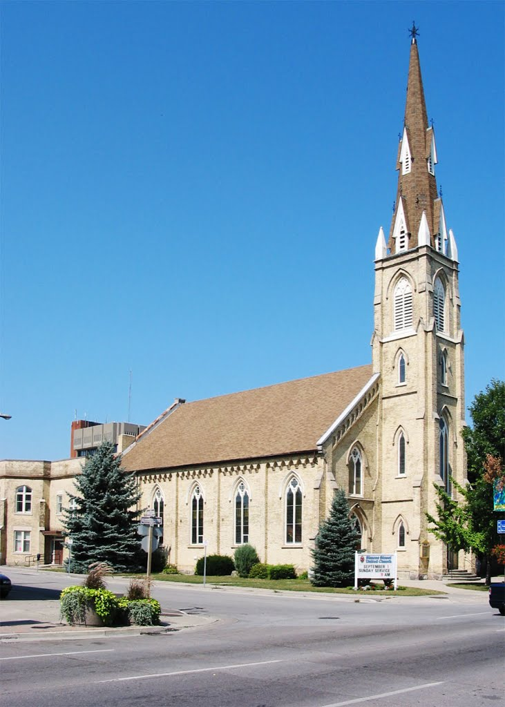 Simcoe Street United Church